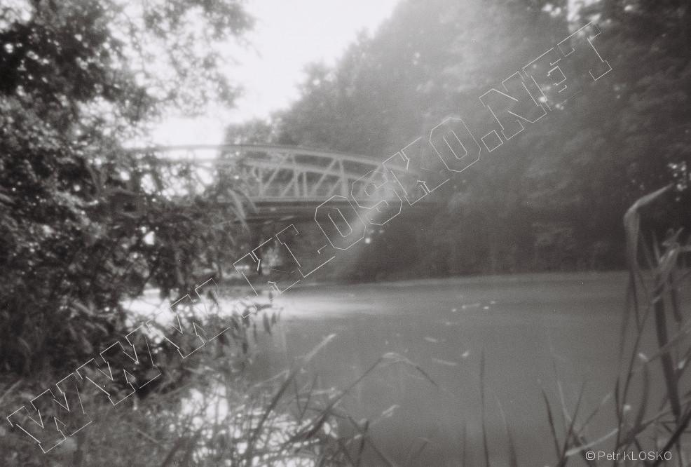Detail - Dírková komora - fotky XVIII - železný most Lochenice, Labe, km 1001